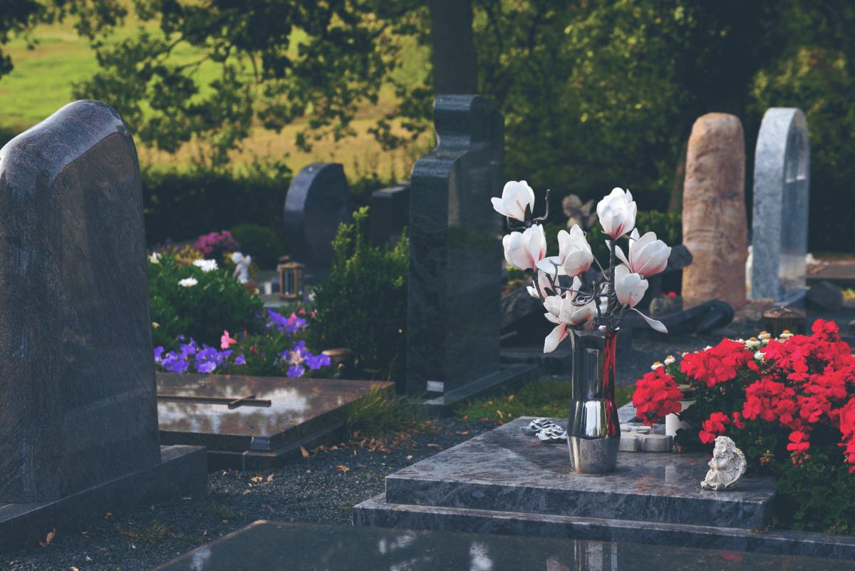 Pogrzeb koronawirus - organizacja, limity, procedury - Pogrzeby Milena